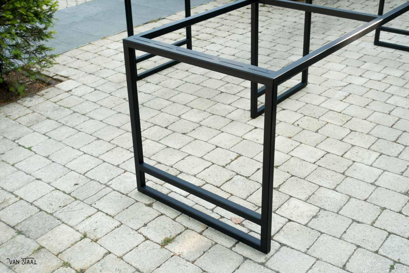 Tafel Laten Maken : Industriele tafel laten maken van staal